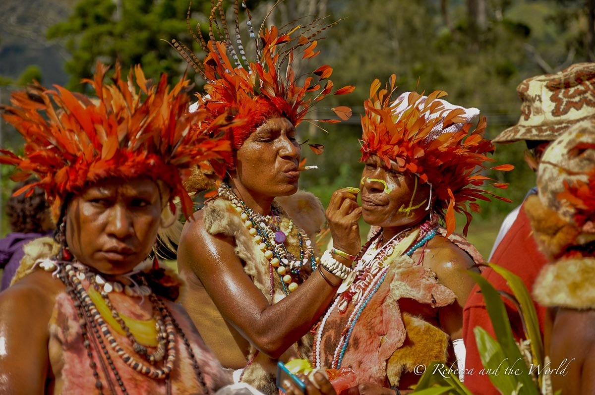 Make sure you spend some time watching people put on their bilas before the big performances at Papua New Guinea festivals