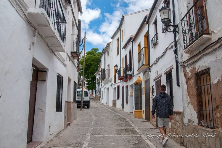 Things to do in Ronda, Spain | As one of Spain's prettiest cities, there are plenty of things to do in Ronda - as well as plenty of places to take gorgeous, Instagram-worthy photos. This guide walks you through the best things to do, where to take the best photos, and where to eat and sleep. #ronda #andalucia #southernspain #spain #Instagram #travelphotography