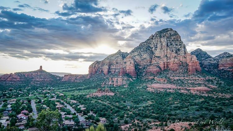 Planning a weekend in Sedona? Check out this guide which highlights the best hikes in Sedona, the top Sedona attractions for your Sedona itinerary and where to eat in Sedona. | #sedona #sedonaaz #arizona #usatravel #hiking #sedonthingstodo #sedonaweekend