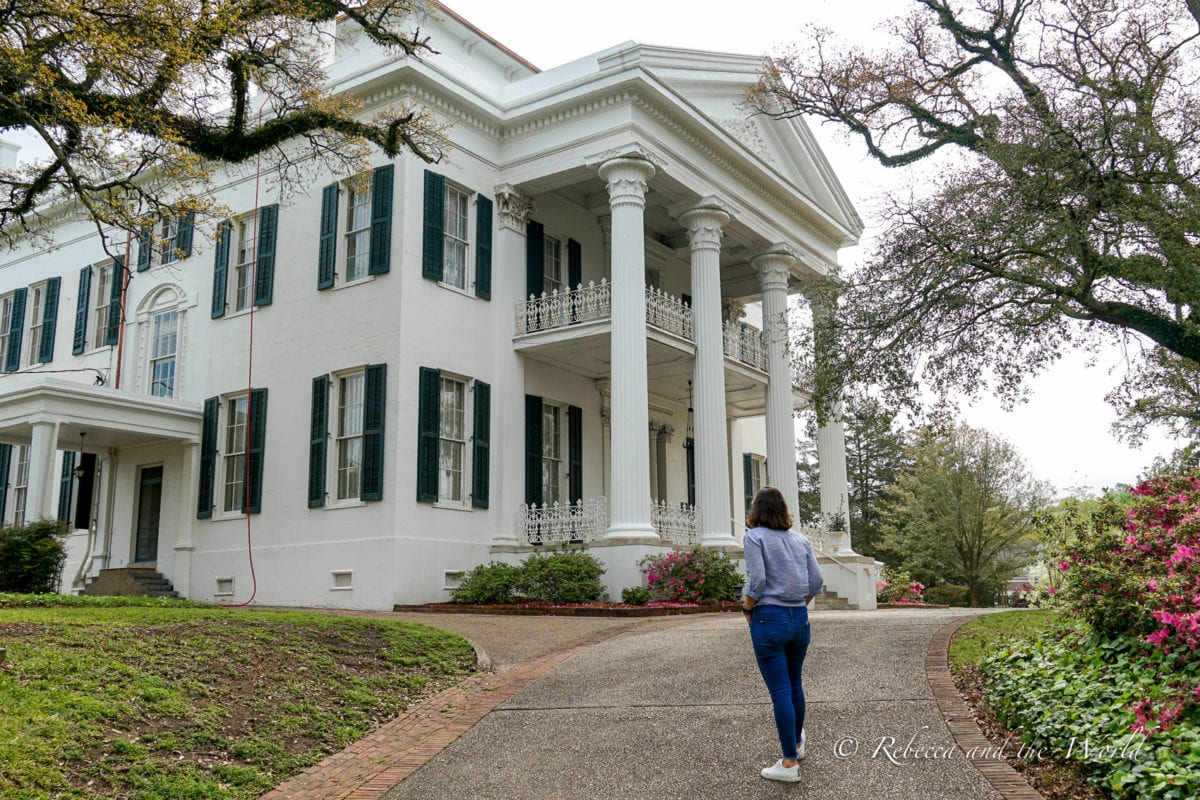 One of the antebellum homes in Natchez, MS