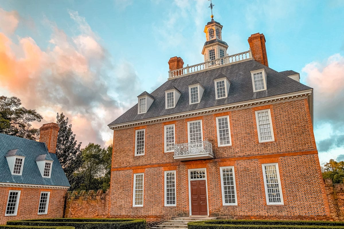 One of the many reasons to visit Williamsburg, Virginia, is to learn about US history