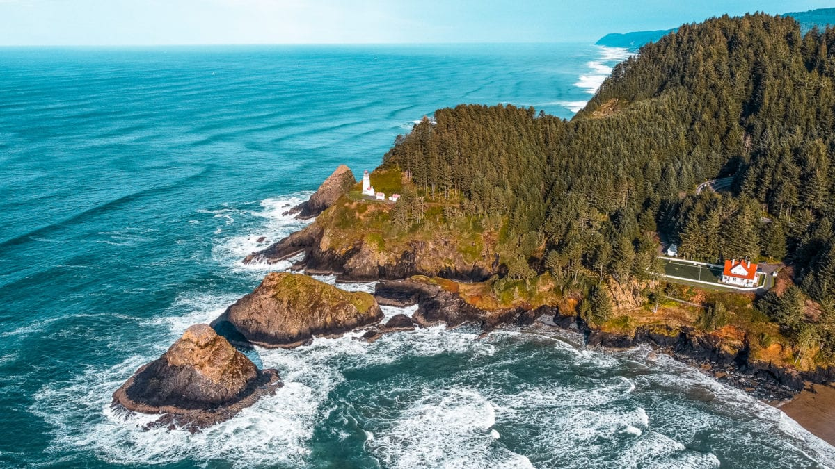 The Oregon Coast is a stunning place to visit in the USA, offering wild coastlines and plenty of escapes to nature